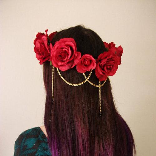 12 Festive Flower Crowns for Your Next Concert    Design ... e9dfd11c1c8