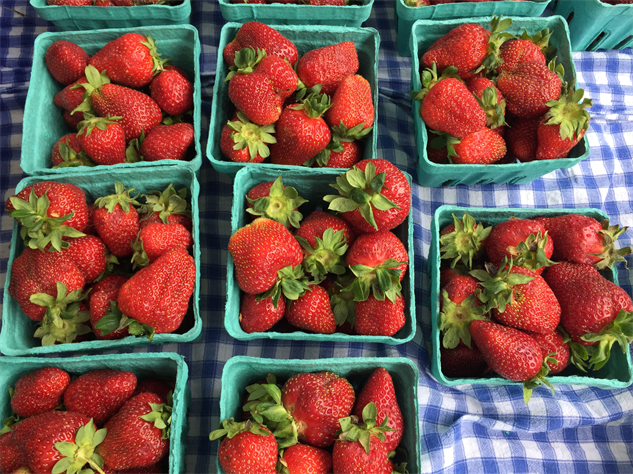 fm-fetish-richmond 13-strawberries-1