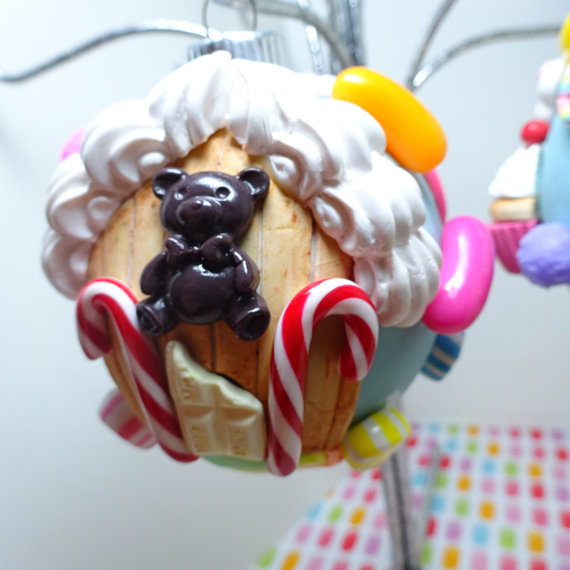food-ornaments 10-gingerbread-house