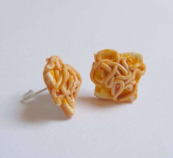 foodie-style-jewelry spaghetti