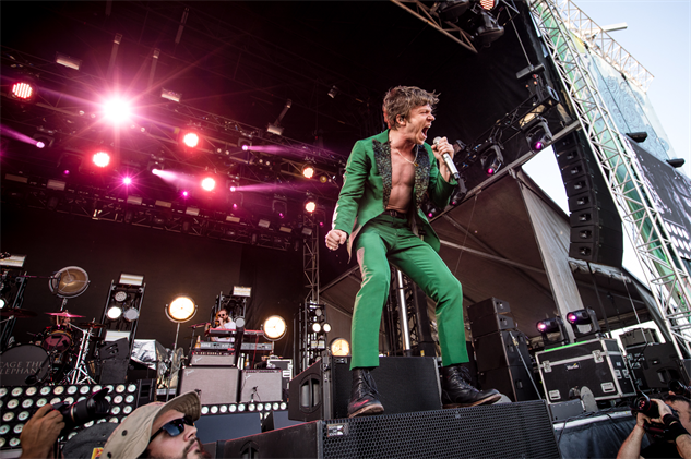 forecastled1x-2017 cagetheelephant-forecastlefestival-day-1-cortneyarmitage1s2a