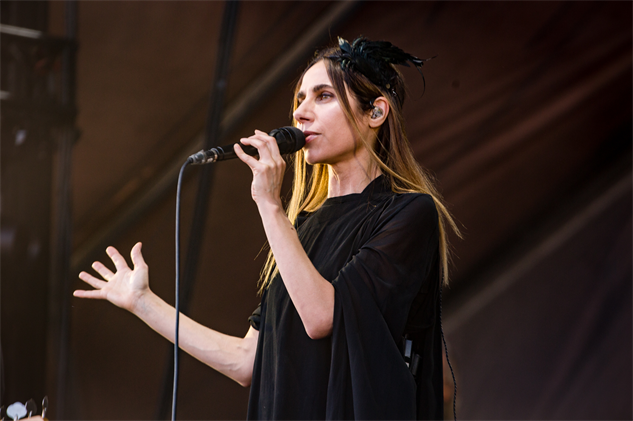 forecastled3-2017 pjharvey-forecastlefestival-day-3-cortneyarmitage-126a848010