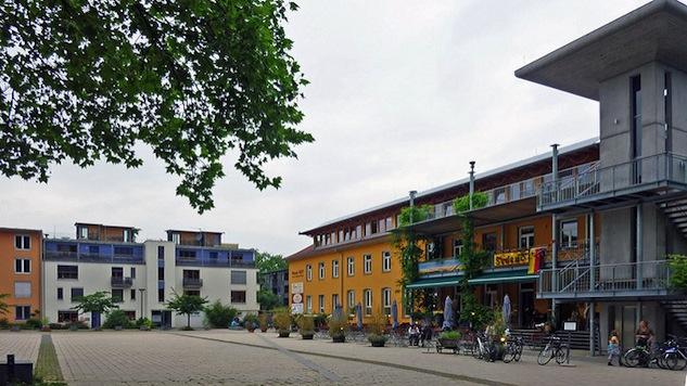 freiburgchecklist freiburg-payton-chung