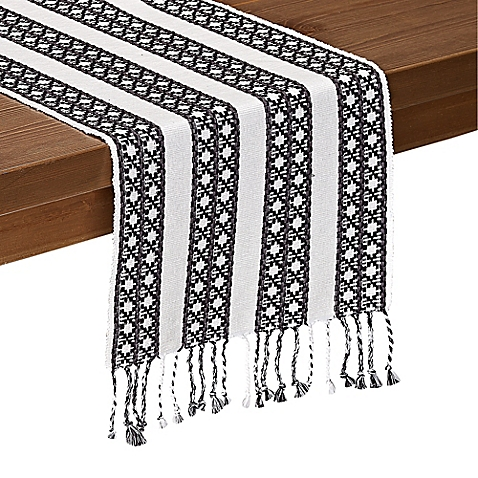 fringe-accent-decor runner