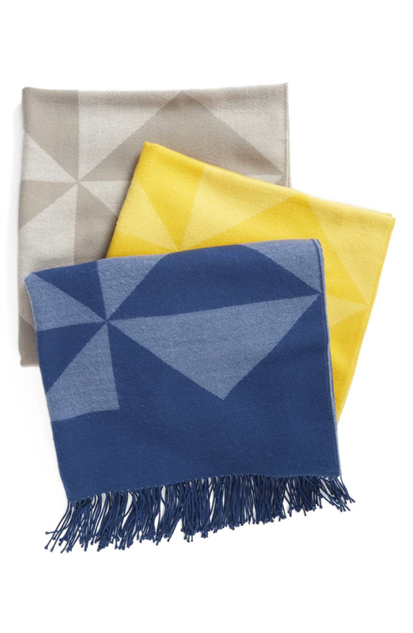 fringe-accent-decor throw