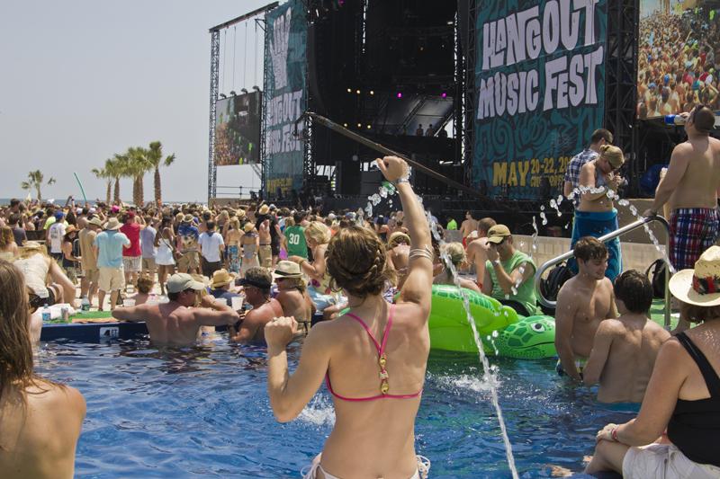 hangout-music-fest-2011 photo_24737_0-34