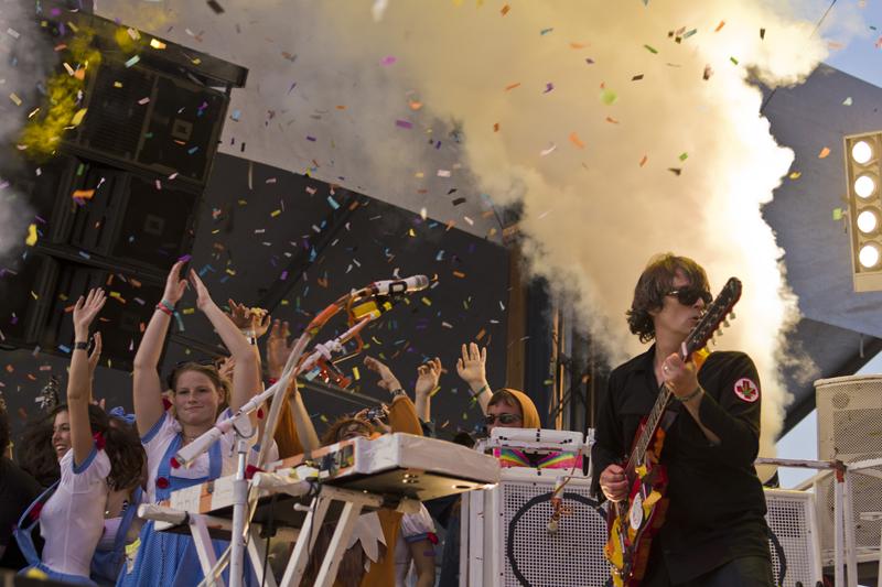 hangout-music-fest-2011 photo_24738_0-24