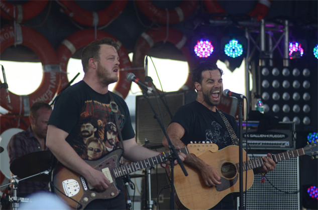 hangout2015-3 the-lone-bellow-2