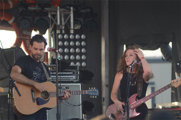 hangout2015-3 the-lone-bellow-3
