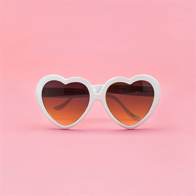 heart-shaped-sunglasses bando