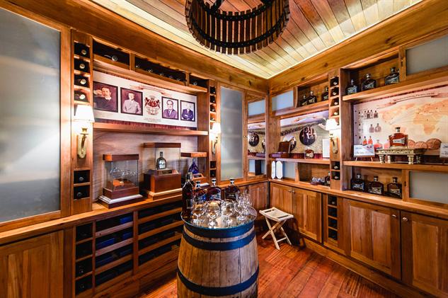 hidden-hotel-bars el-ricon-del-ron-mukul
