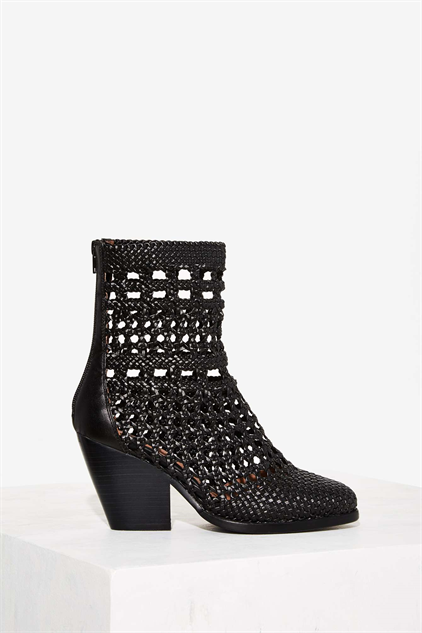 aff863325eb High-Heel Ankle Boots to Snag Now for Pre-Fall :: Style :: Footwear ...
