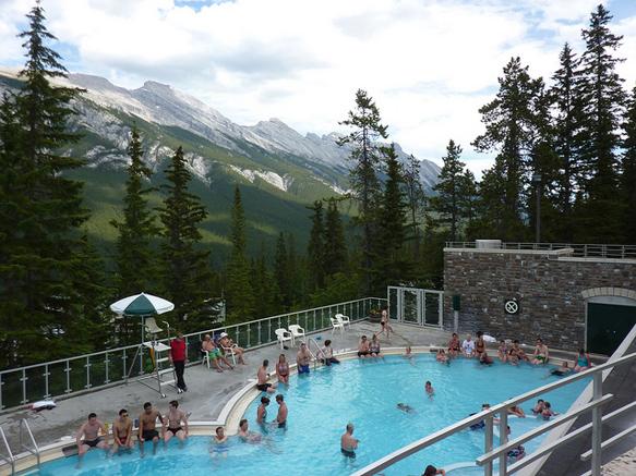 hot-springs banff-upper-hotsprings-canada