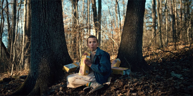 iconic-horror-show-moments eleven-stranger-things-photo-1-900x449