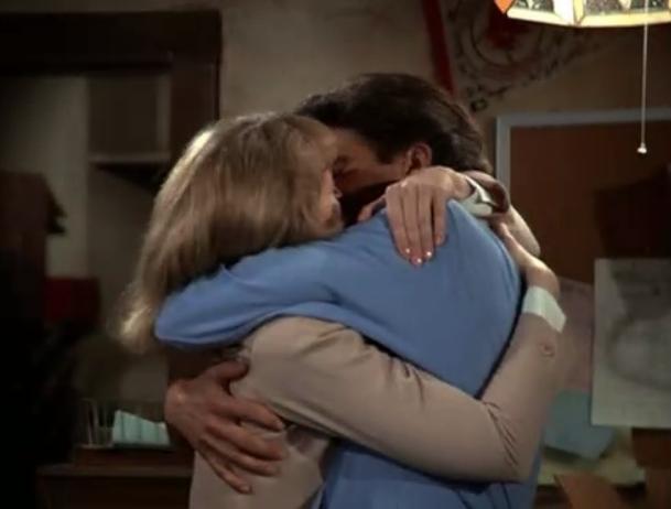 iconic-sitcom-moments screen-shot-2011-09-04-at-113318-am