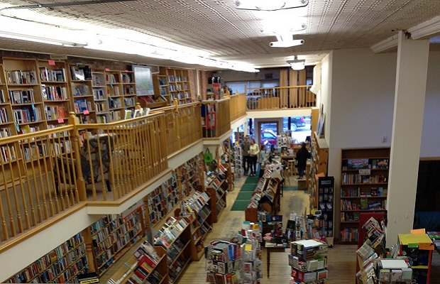 indie-bookstores the-country-bookshelf