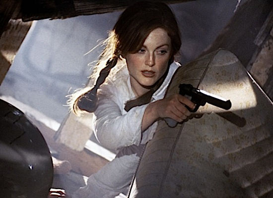 julianne-moore 13-moore-assassins