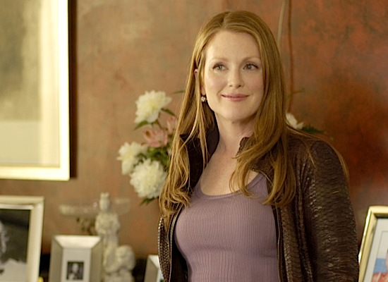 julianne-moore 32-moore-lawsofattraction