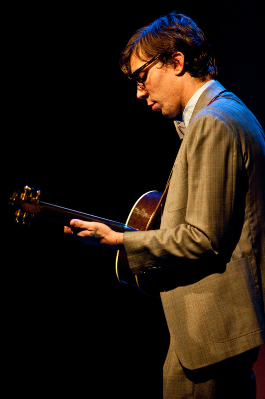 justin-townes-earle-at-the-sellersville-theatre-sellersville-pa-june-13-2010 photo_6553_0-3