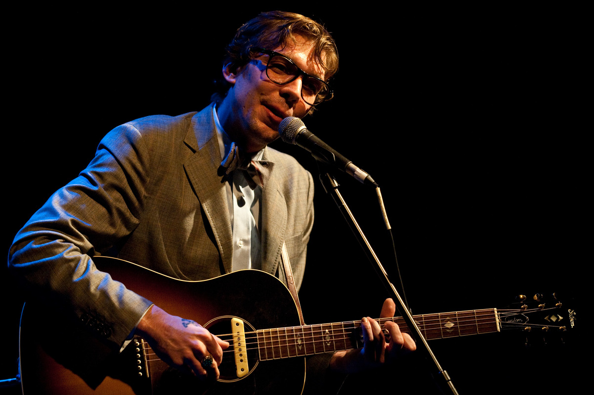 justin-townes-earle-at-the-sellersville-theatre-sellersville-pa-june-13-2010 photo_7268_0-2