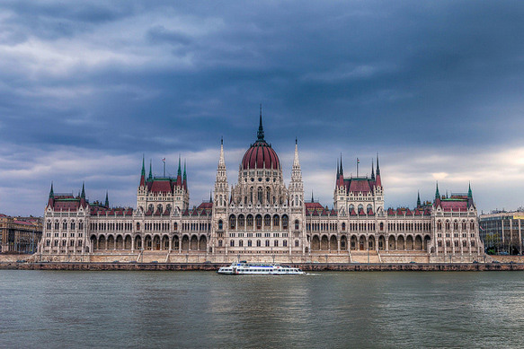 legislative-buildings hungarian-parliament-budapest-paste