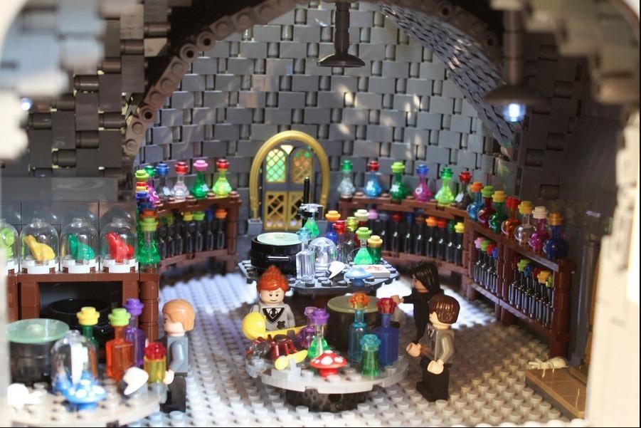 lego-hogwarts-castle photo_26181_0-3