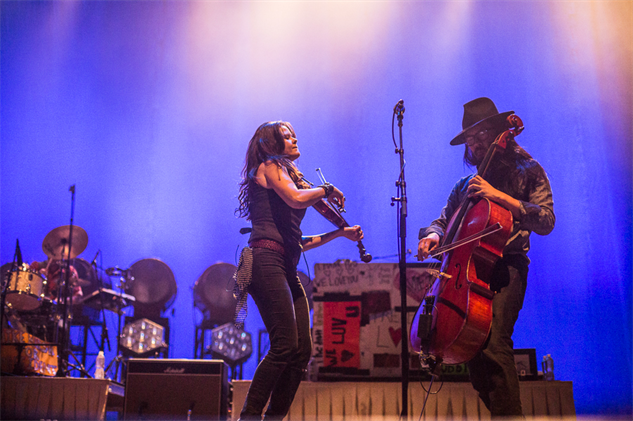liz-atkins-and-avett-brothers 1a8a3961