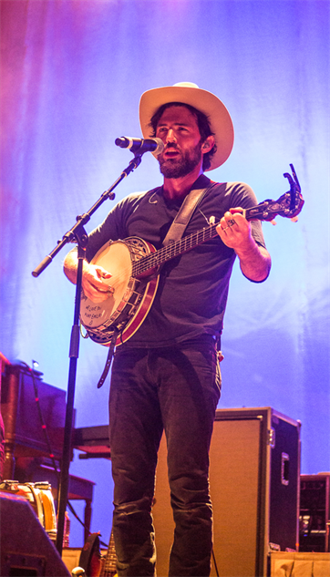 liz-atkins-and-avett-brothers 1a8a3983