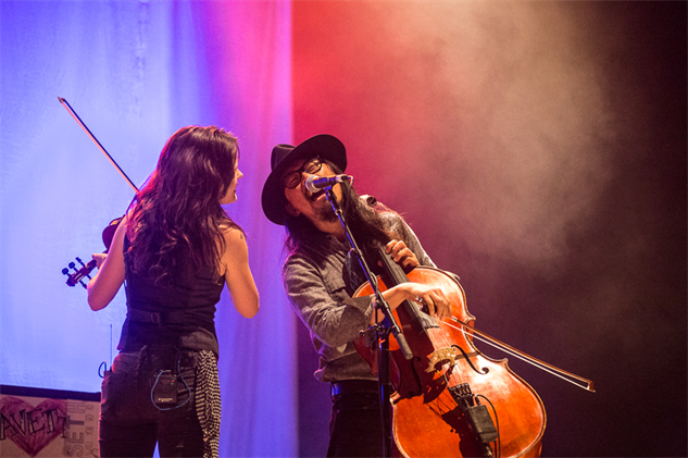 liz-atkins-and-avett-brothers 1a8a3985
