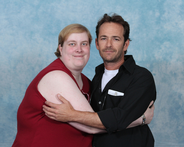 luke-perry-poses-with-nerds photo_8159_0