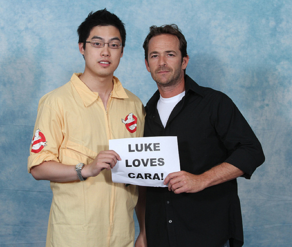 luke-perry-poses-with-nerds photo_8160_1