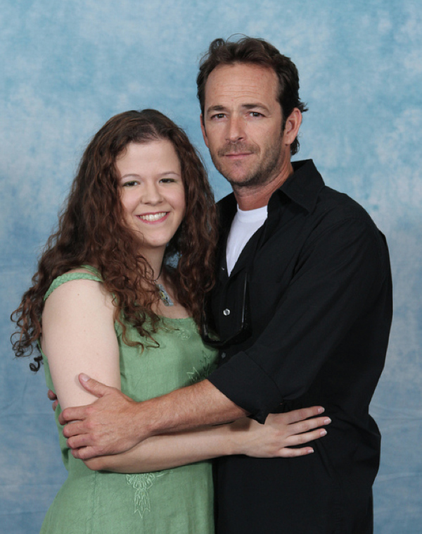 luke-perry-poses-with-nerds photo_8161_1