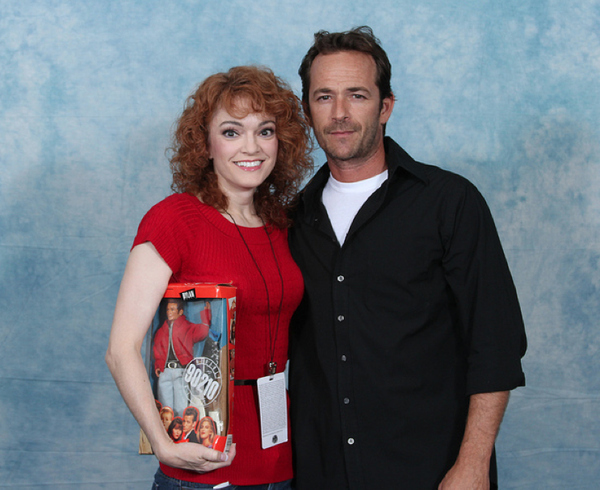 luke-perry-poses-with-nerds photo_8162_0-4