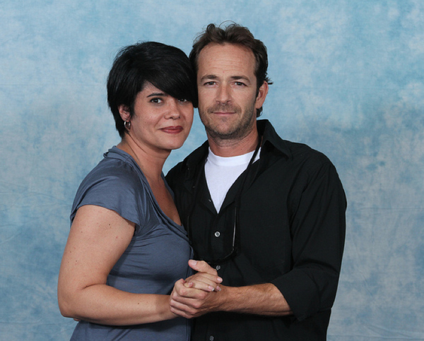 luke-perry-poses-with-nerds photo_8165_0