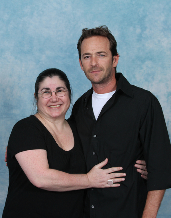 luke-perry-poses-with-nerds photo_8166_0-2