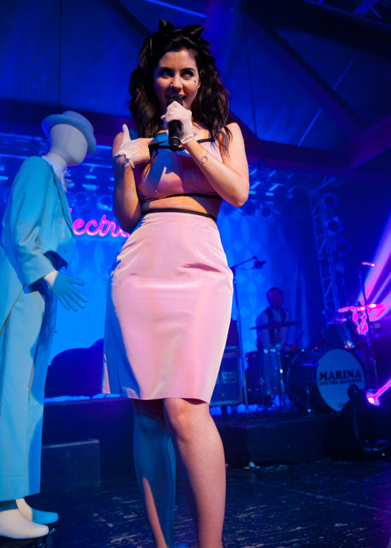 marina-the-diamonds photo_24045_1-4
