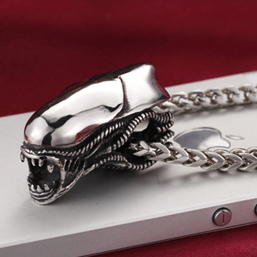 movie-jewelry alien