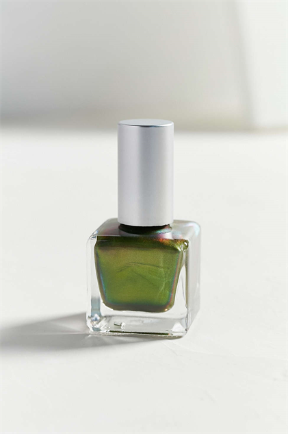 nail-polish-for-winter-blues oil