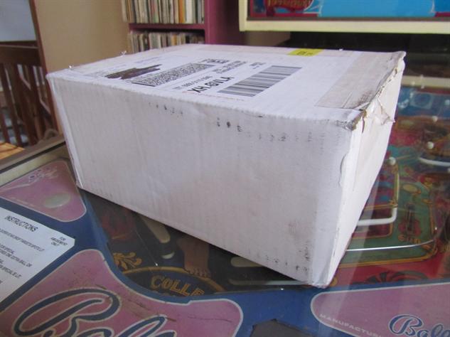 nes-classic-box nes-classic-unboxing-1