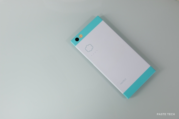 nextbit-robin-hands-on robinback1