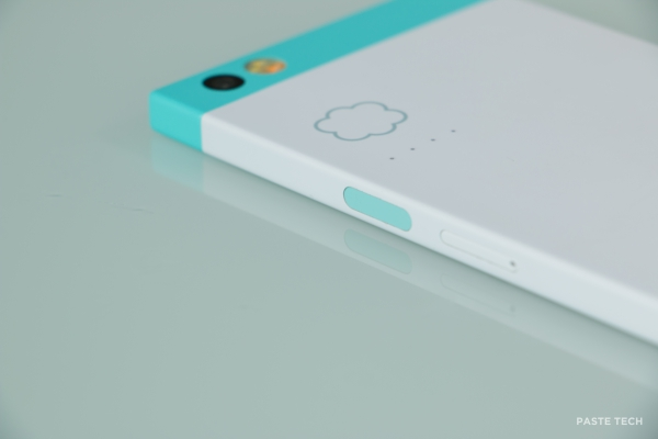 nextbit-robin-hands-on robinpowerbutton