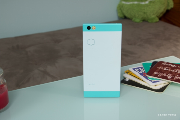nextbit-robin-hands-on robinstanding