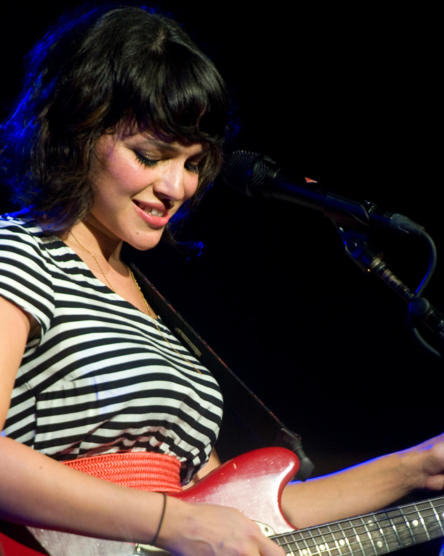 norah-jones photo_12921_0-2