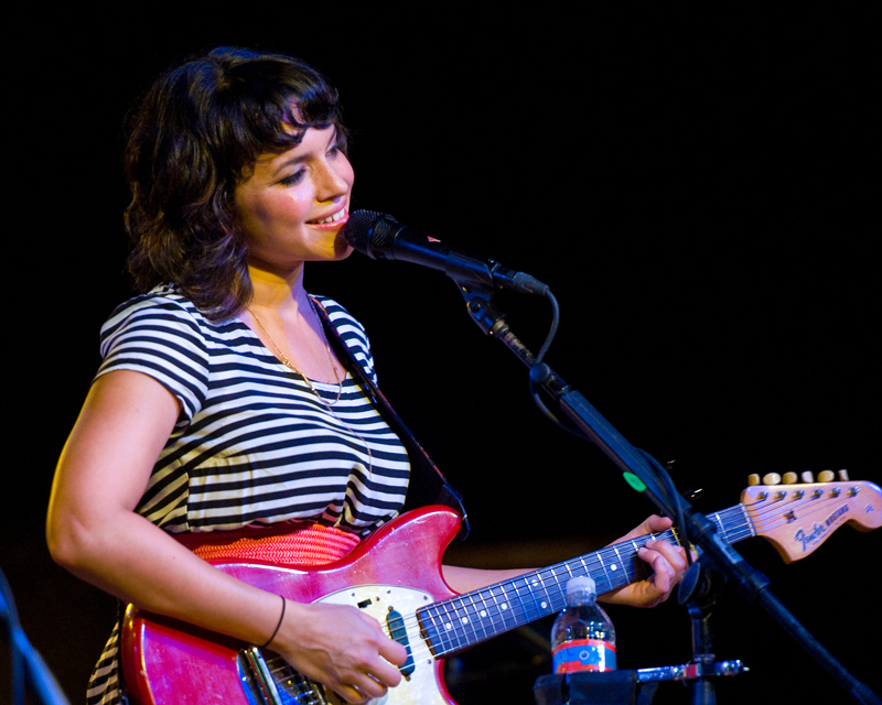 norah-jones photo_12923_0-5