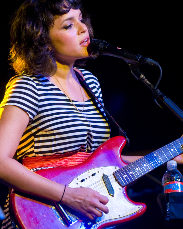 norah-jones photo_3680_0-14