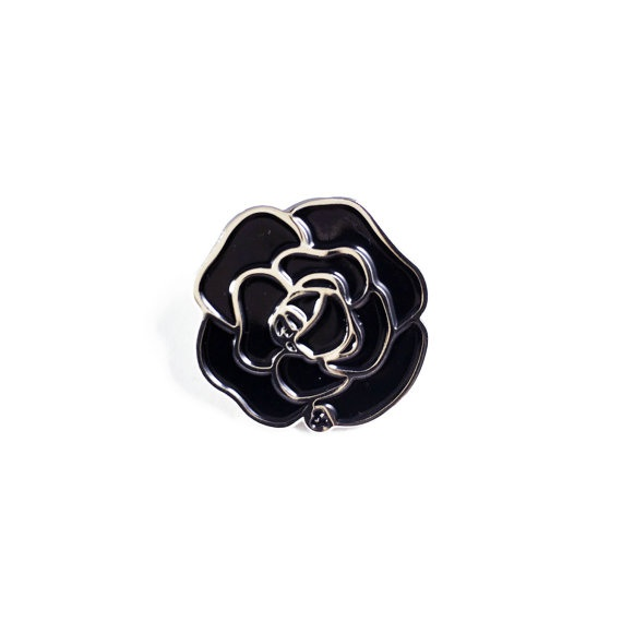 novelty-lapel-pins black