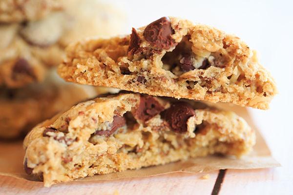 oatmeal-cookies 2-neiman-marcus-cookiesuseme