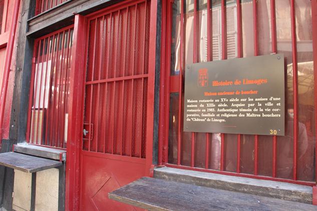 offal-gallery 29-historic-house-rue-de-la-boucherie-2000x1333