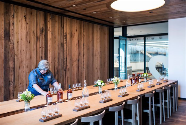 old-forester-distillery of-tasting-room