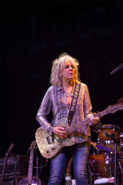 outlawcountrycruise lucinda-williams-17-16-10-300-72